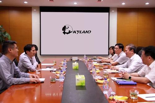 扬州市领导调研工业互联网及智慧城市解决方案