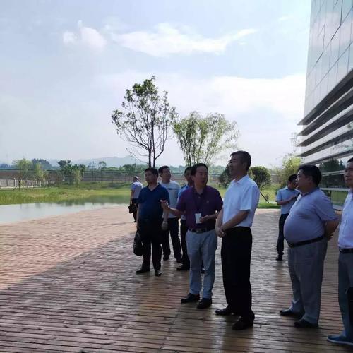 宜昌市政府领导参观调研 东土宜昌受邀试点智慧城市建设